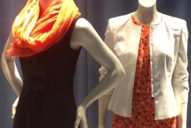Oranger Schal - setzen auf Kontraste